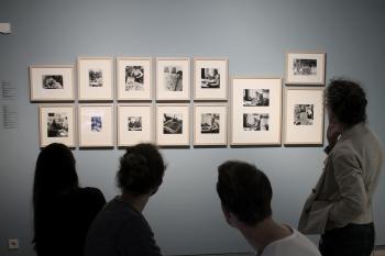 """Foto Sophia Baur, Ausstellungsansicht """"auf papier... arbeiten von willi baumeister"""", Kunstmuseum Stuttgart"""