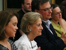 Felicitas Baumeister (2nd from left) with Petra von Olschowski (left), Jochen Gutbrod and Hadwig Goez.